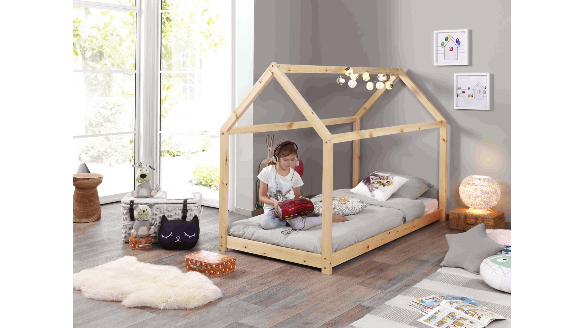 lit cabane enfant elea original en pin massif so nuit. Black Bedroom Furniture Sets. Home Design Ideas