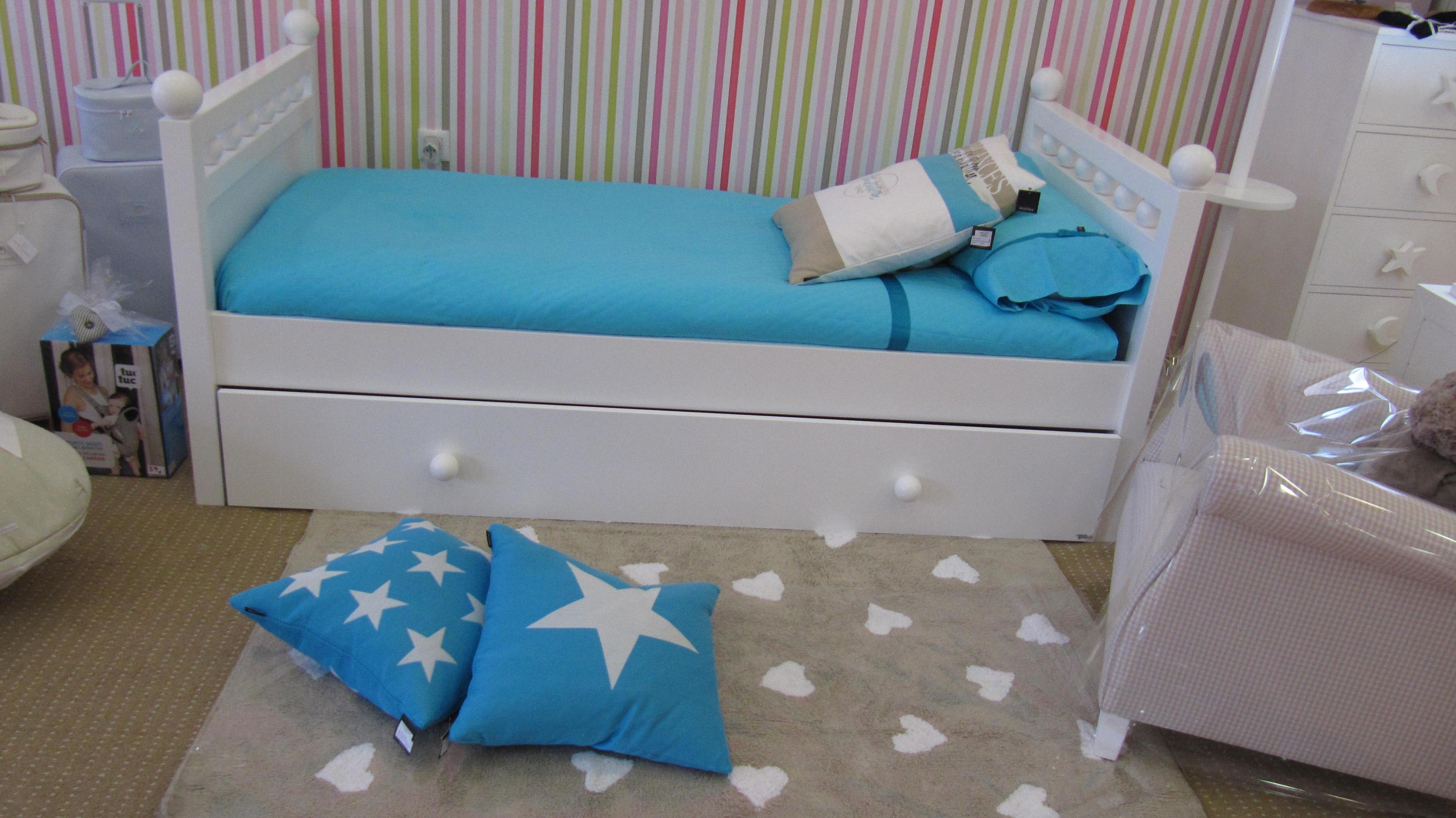 Tapis enfant PETITS COEURS 120x160cm en coton lavable - LORENA CANALS