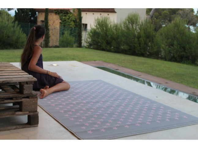 Tapis enfant CONSTELLATION GRIS-ROSE en acrylique 3 formats - LORENA CANALS