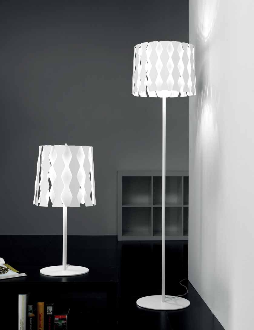 lampe de chevet design nest tout simplement unique selene so nuit. Black Bedroom Furniture Sets. Home Design Ideas