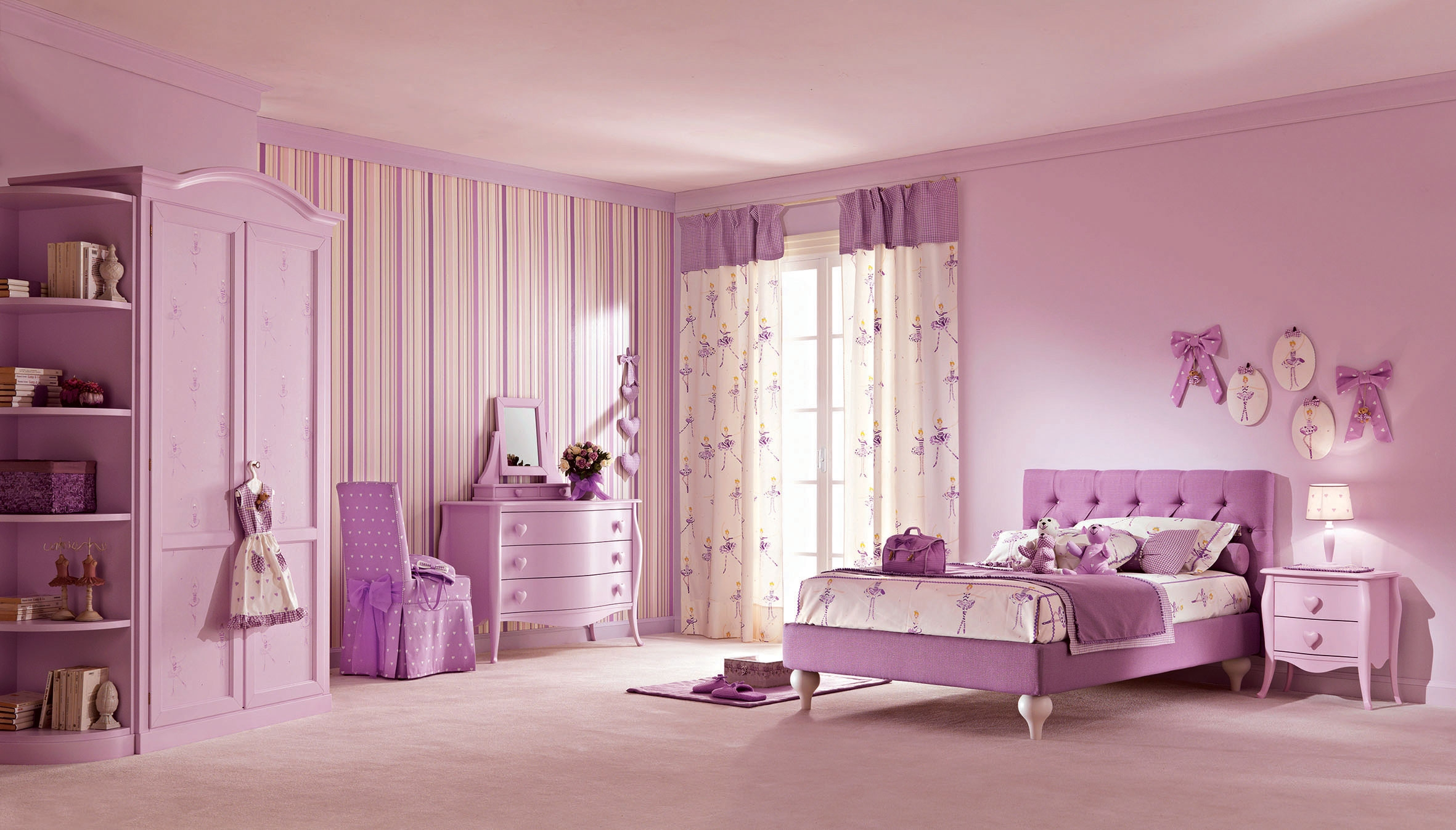 chambre de petite fille princesse 202334. Black Bedroom Furniture Sets. Home Design Ideas