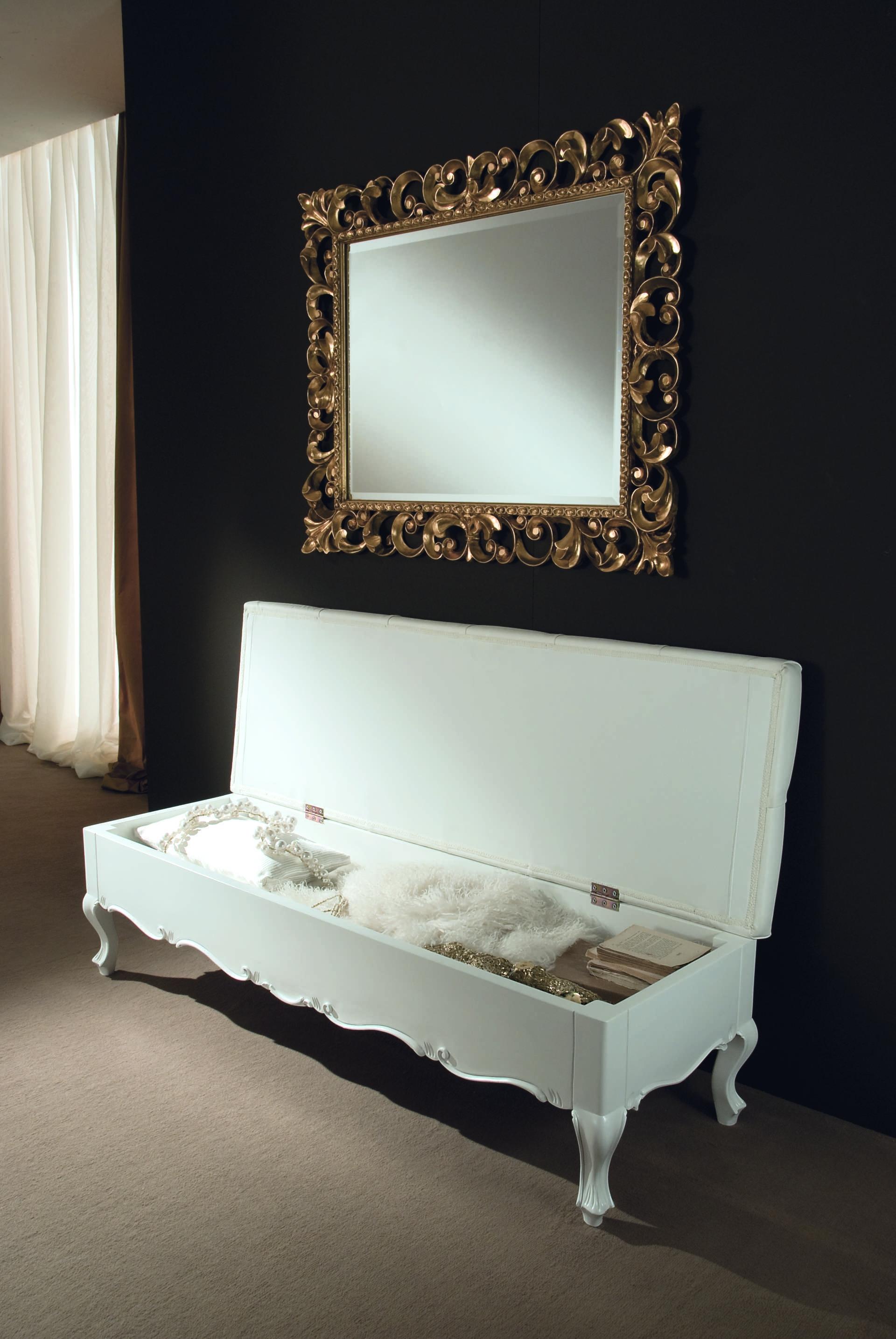 Lit adulte recouvert d 39 un cuir blanc pleine fleur for Chambre lit adulte