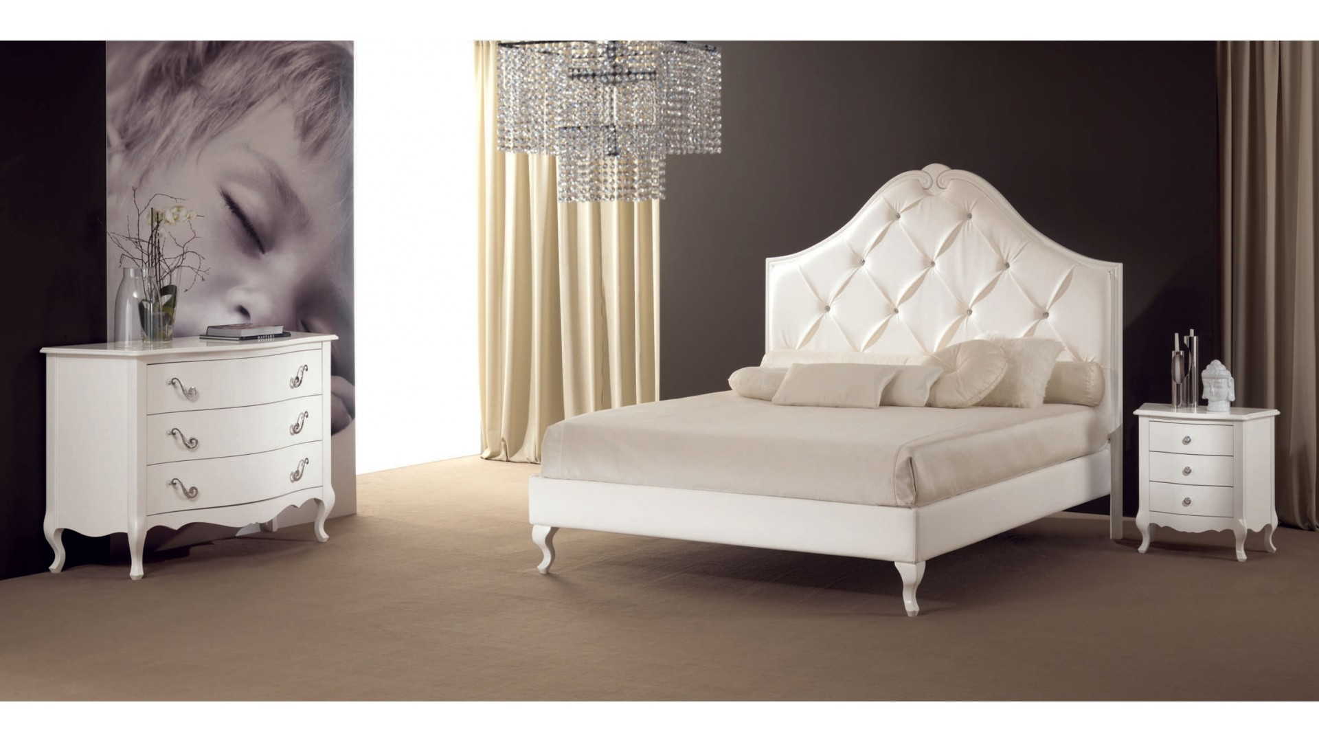 lit double maddy k avec t te de lit majestueuse piermaria so nuit. Black Bedroom Furniture Sets. Home Design Ideas