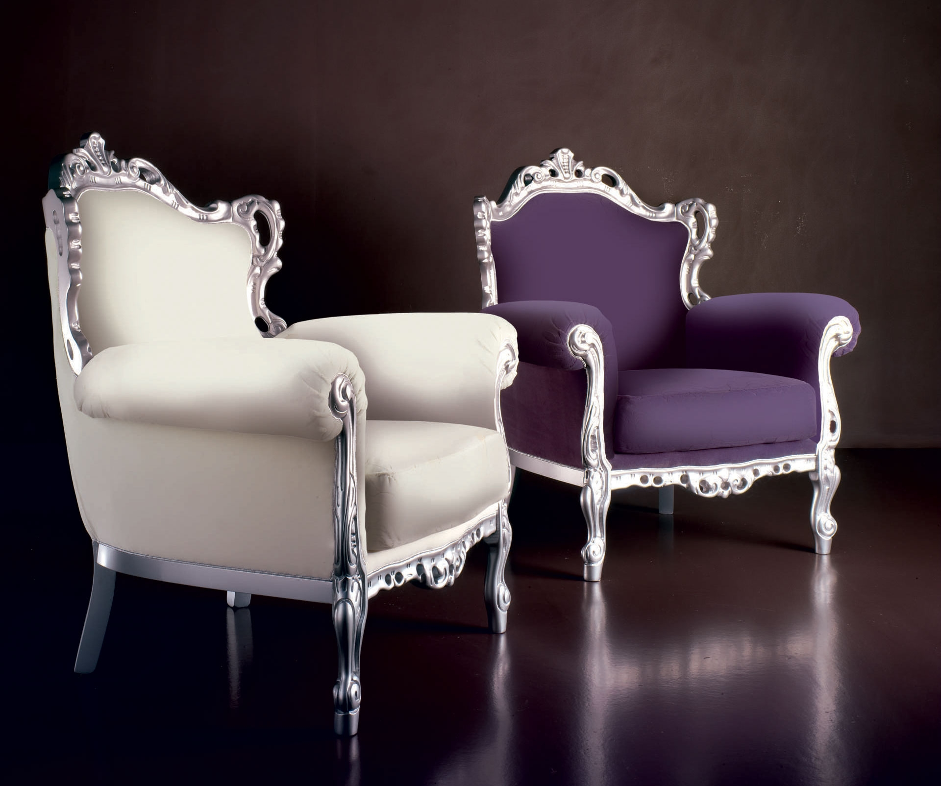 Fauteuil baroque marcel laqu argent tissu piermaria for Divan et fauteuil
