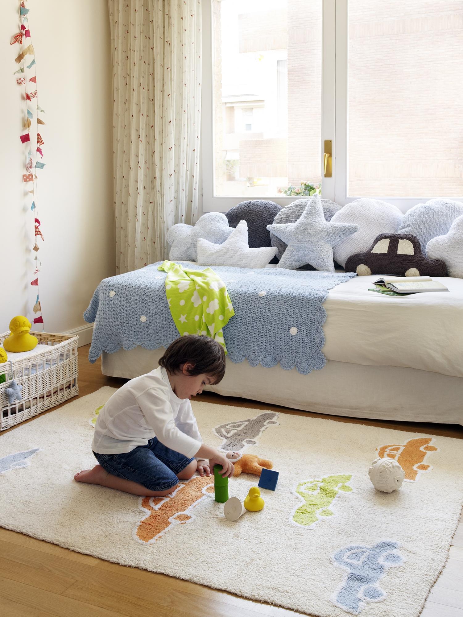 Tapis enfant VOITURES 120 x 160 cm en coton lavable - LORENA CANALS