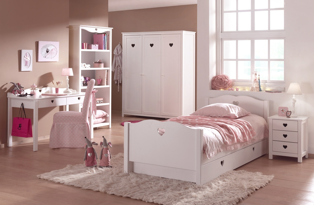 lit chambre fillette emilie pour un style romantique so nuit. Black Bedroom Furniture Sets. Home Design Ideas