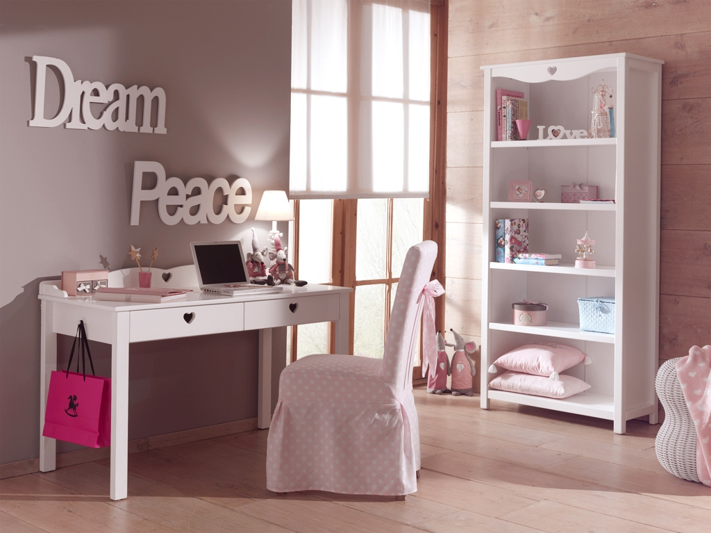 bureau enfant fille chambre emile au style so romantique so nuit. Black Bedroom Furniture Sets. Home Design Ideas