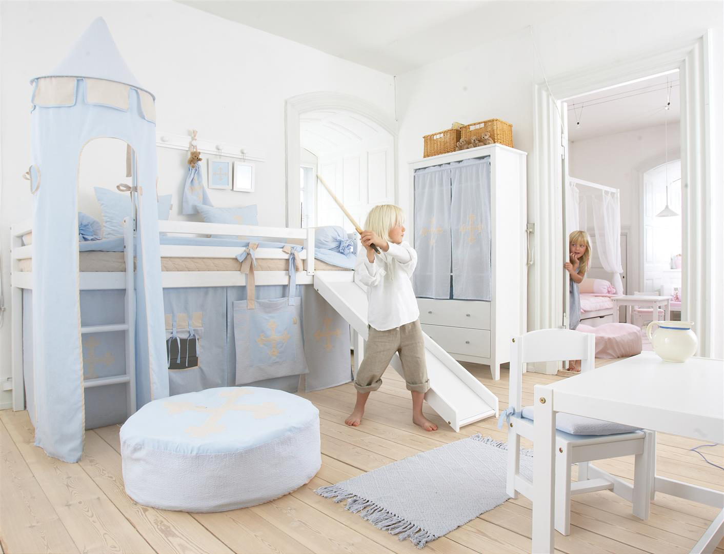 id e d co chambre enfant un sol pratique fun et original. Black Bedroom Furniture Sets. Home Design Ideas